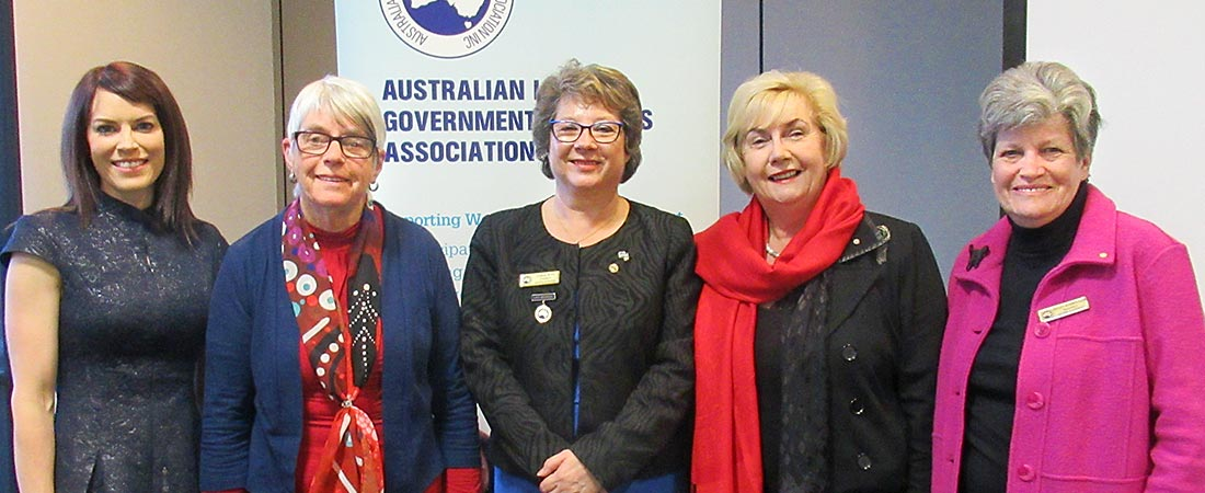 Guest speaker Cr Alwyn Friedersdorff (2nd left) with members of the National Board, Rebecca Hersant, Coral Ross, Janet Davidson OAM and Helen Harris OAM.